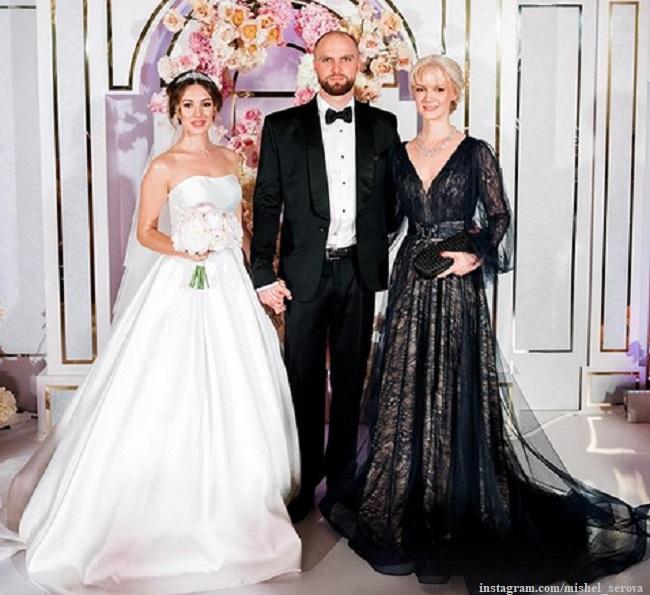 Мишель Серова с мужем и мамой