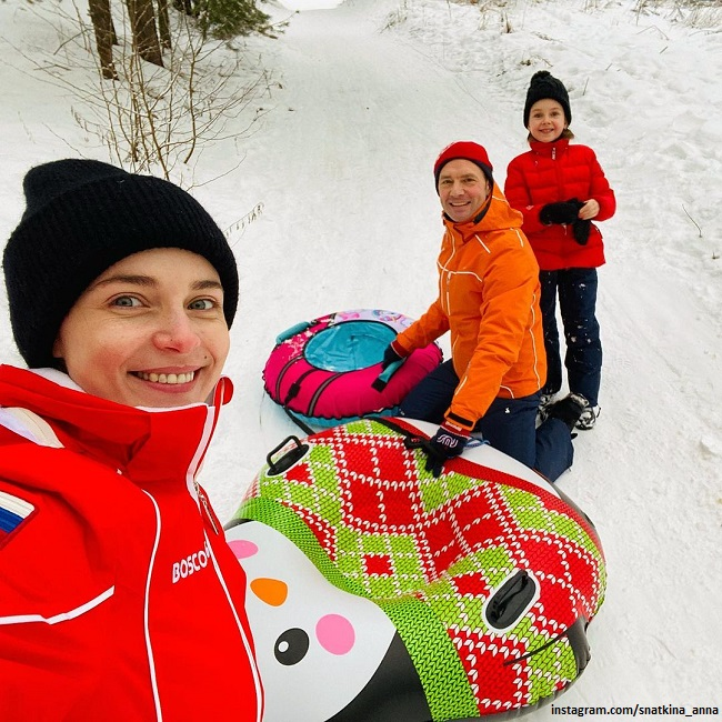 Anna Snatkina and Viktor Vasiliev with their daughter Veronica