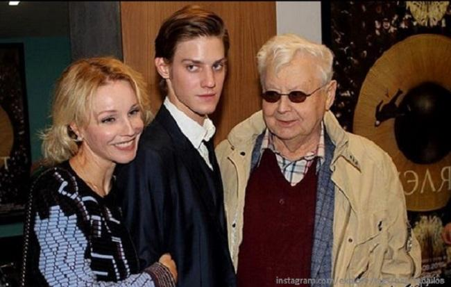 Олег Табаков с женой и младшим сыном