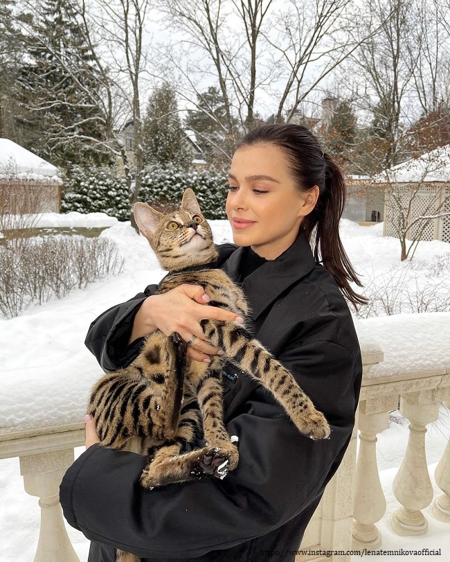 Елена Темникова со своим питомцем