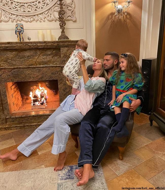 Кети Топурия с мужем и детьми