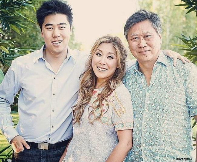 Anita Tsoi with her husband and son