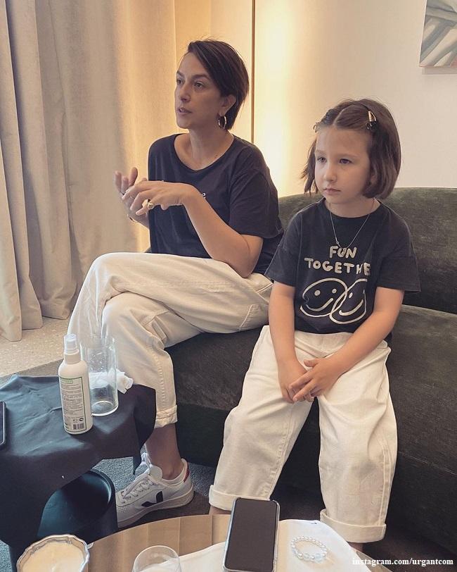 Наналья Кикнадзе с дочерью Лерой