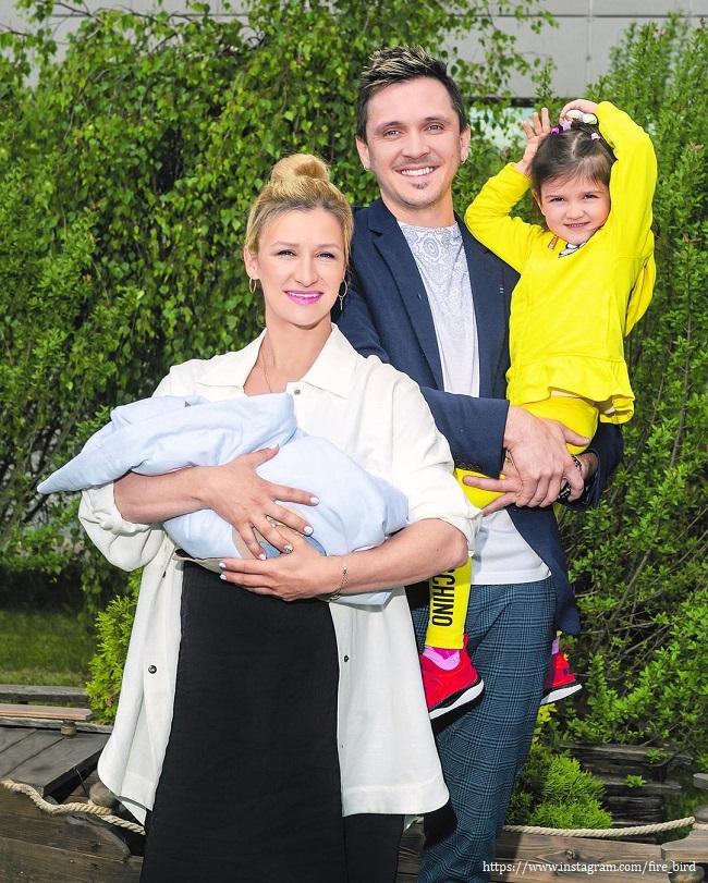 Татьяна Волосожар с мужем и детьми