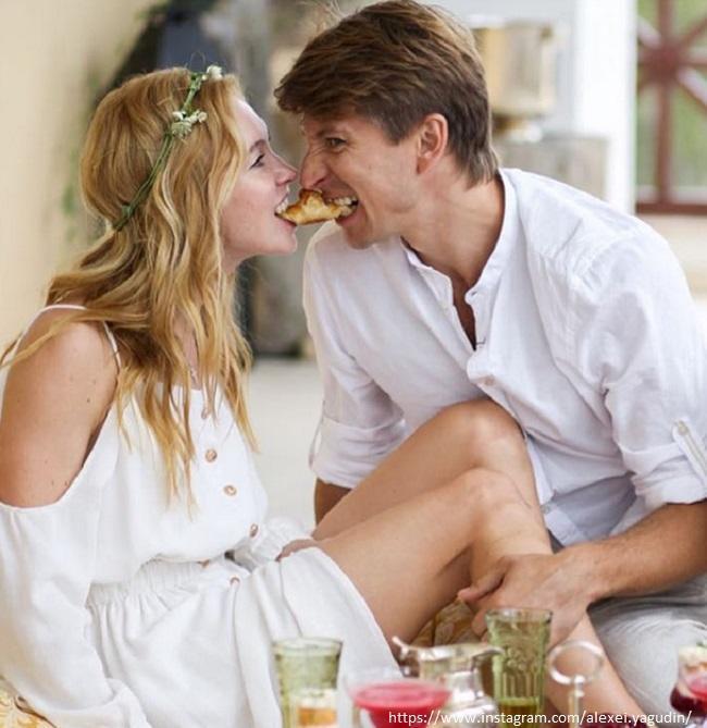 Алексей Ягудин с женой