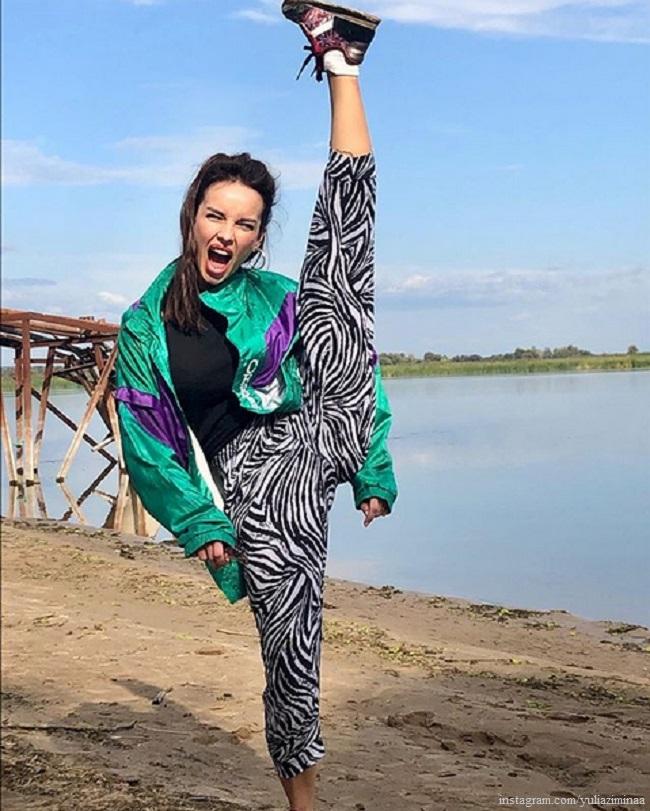 Юлия Зимина показала свою растяжку