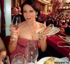 Подробнее: Алика Смехова откушала сосисок и станцевала вальс в на венском балу