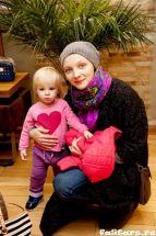 Подробнее: Екатерина Вилкова вместе с дочкой посетила модный показ