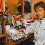 Подробнее: Александр Домогаров уходит со сцены
