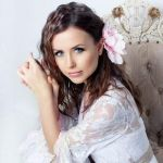 Подробнее: Мирослава Карпович рассказала о своих способах поддержания красоты
