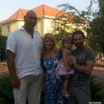 Подробнее: Антон Макарский с семьей снялся в передаче «Большой папа»