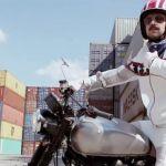 Подробнее: Иван Ургант в роли Гриши в новом видеоклипе «Пиротехника»