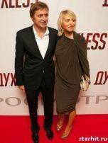 Подробнее: Артем Михалков будет требовать развода в суде