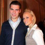 Подробнее: Дмитрий Дюжев ждет еще одного ребенка