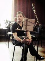 Подробнее: Александр Домогаров готовится к концерту