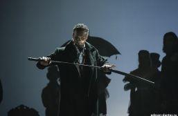 Подробнее: Дмитрий Певцов впервые на сцене после смерти сына