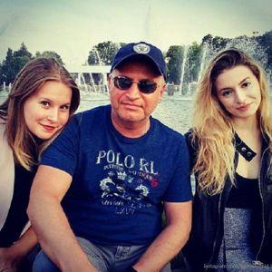 Подробнее: Леонид Агутин посвятил публикацию старшей дочери в день ее рождения