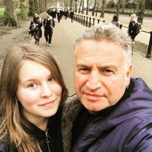 Подробнее: Леонид Агутин показал старшую дочь в день ее рождения