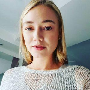 Подробнее: Оксана Акиньшина в купальнике засветила свое тату
