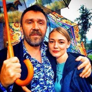 Подробнее: Оксана Акиньшина папина дочка