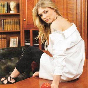 Подробнее: Оксана Акиньшина о любимых ролях, о продуктах Garnier, о спорте и лишнем весе