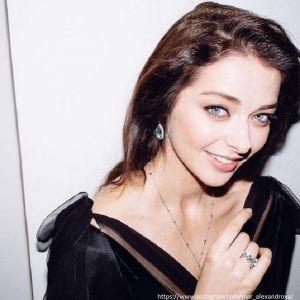 Подробнее: Марина Александрова похвасталась пышной грудью в купальнике