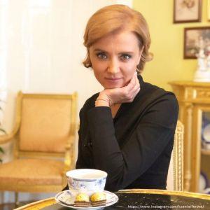 Подробнее: Ксению Алферову раскритиковали за откровенное платье