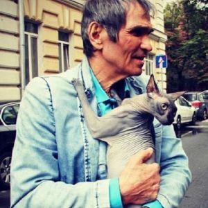 Подробнее: Бари Алибасов, лёжа в больнице, заработал миллион
