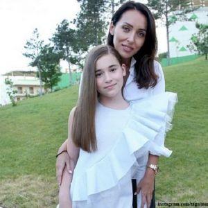 Подробнее:  Дочь Алсу выступила в Крыму на «Детской Новой волне»