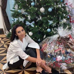 Подробнее: Алсу продемонстрировала праздничный интерьер своего пятиэтажного особняка