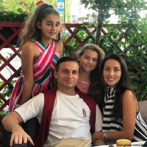 Подробнее: Дочь Алсу опубликовала редкий кадр с отцом в день его рождения