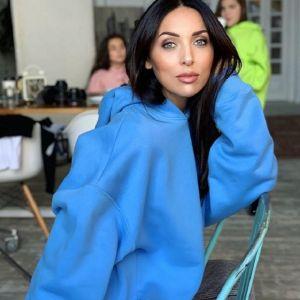 Подробнее: Алсу снялась с дочерьми в фотосессии для модного журнала