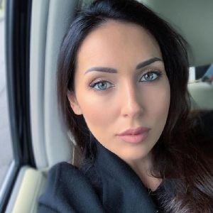 Подробнее: Певица Алсу спровоцировала слухи о разводе