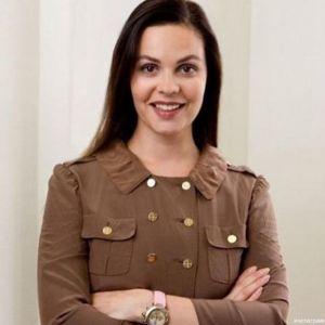 Подробнее: Екатерина Андреева показала, через что она проходит ради красоты (видео)