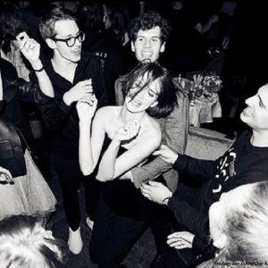 Подробнее: Паулина Андреева пригласила отца и братьев на вечеринку в столичный бар по случаю 30-летия