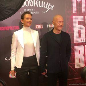 Подробнее: Редкий выход: Федор Бондарчук поддержал Паулину Андрееву на премьере фильма «Любовницы»