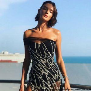 Подробнее: Паулина Андреева пришла на церемонию закрытия «Кинотавра» в «голом» платье