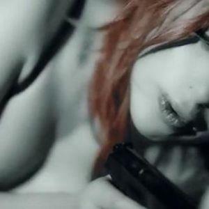 Подробнее: Алена Апина разделась в новом клипе «Девушка Бонда» (видео)