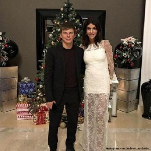 Подробнее: Андрей Аршавин оставил жену Алису и маленькую дочь Есению