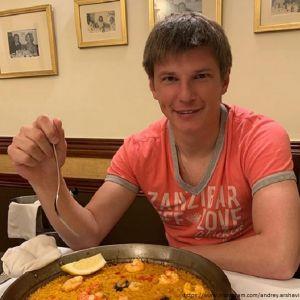 Подробнее: Андрея Аршавина поймали с милой блондинкой