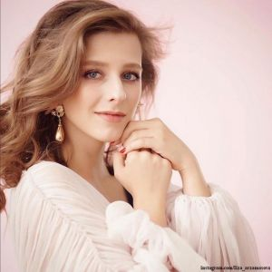 Подробнее: Елизавета Арзамасова поделилась своим самым откровенным «беременным» снимком