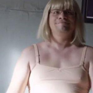 Подробнее: Гарик Харламов пародия хита певицы Sia на песню «Chandelier»
