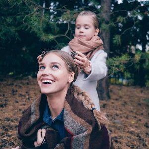 Подробнее: Дочка Кристины Асмус прогоняет зиму (видео)
