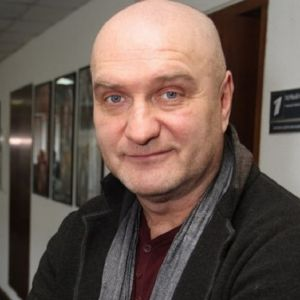Подробнее: Александр Балуев признался, что его с женой ничего не связывало кроме дочери
