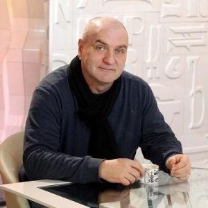 Подробнее: Александр Балуев перестал играть военных