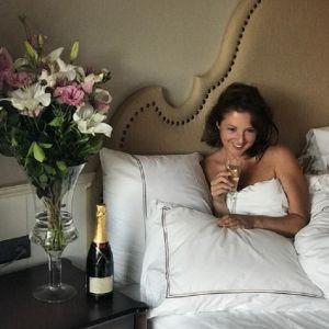 Подробнее: Анна Банщикова поделилась эффектными фото в белом купальнике