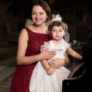 Подробнее: Анна Банщикова поделилась кадрами со дня рождения дочери Маши