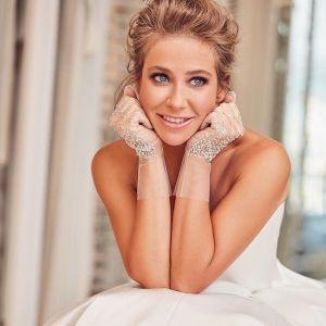 Подробнее: Юлия Барановская показала свое новое свадебное платье