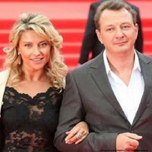 Подробнее: Бывшая жена решила наказать Марата Башарова и собирается подать на него в суд
