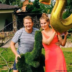Подробнее: Жена Марата Башарова написала  исковое заявление на развод